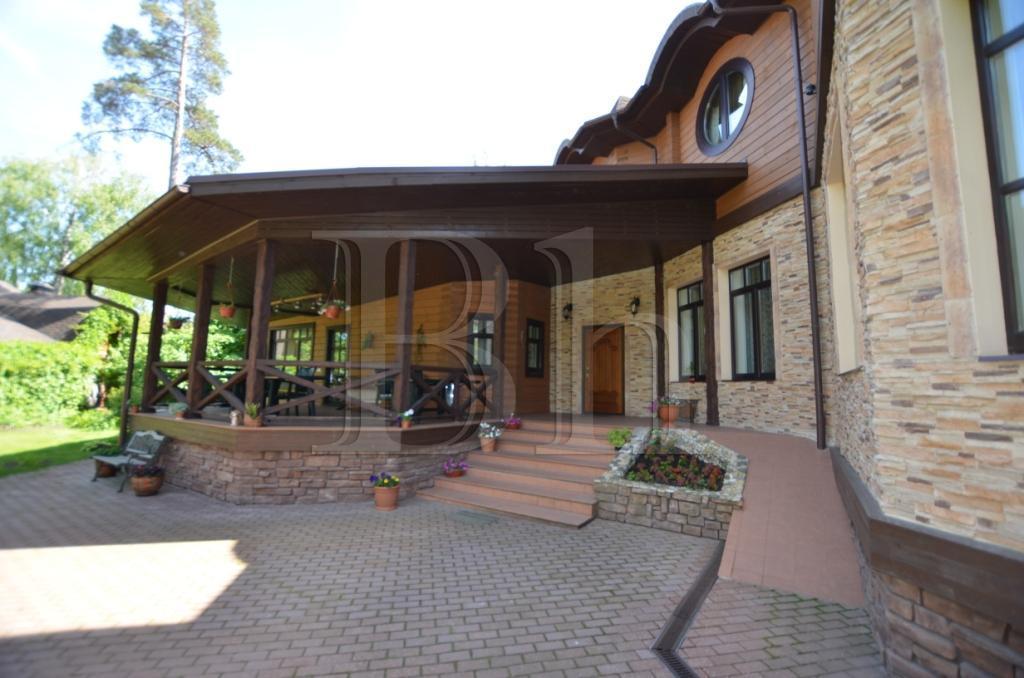 Дом 500 кв.м 26 соток п.Ильинский, ул.Первомайская