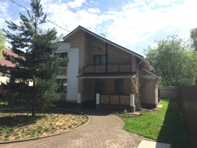 Дом 180 кв.м 6 сот. п.Кратово, ул.Орджоникидзе